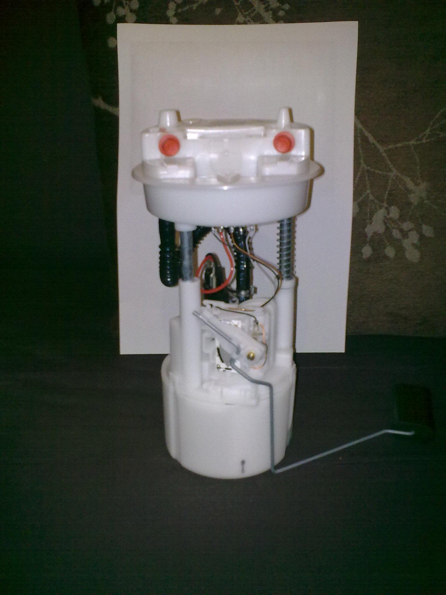 In tank fulel pump with built in swirl pot